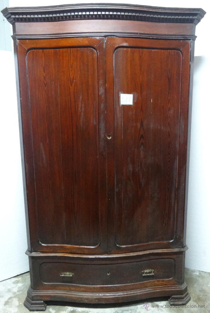 Armario ropero madera nogal siglo xx 311 vendido en - Armarios antiguos de segunda mano ...