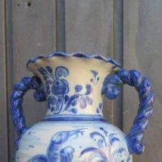 Antigüedades: ANTIGUO JARRON DE RUIZ DE LUNA. TALAVERA. ASAS SOGUEADAS. BUEN ESTADO. Lote 45151204