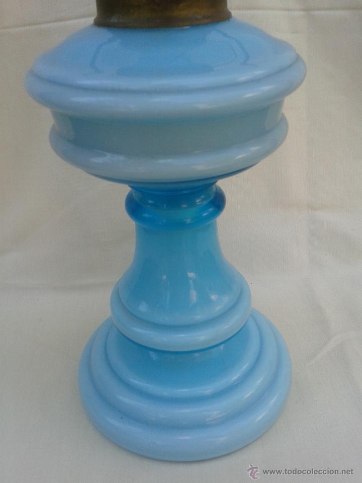 Antigüedades: Gran Quinqué azul con maravilloso cristal opalina y traslucido. Marca Kosmos Brenner - Foto 2 - 45152455