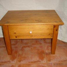 Antigüedades: MESITA RUSTICA DE PINO, SIGLO XIX. Lote 32108513