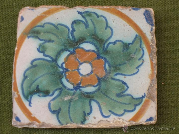AZULEJO ANTIGUO DE ALCORA. TECNICA PINTADA O LISA. SIGLO XVIII. (Antigüedades - Porcelanas y Cerámicas - Alcora)