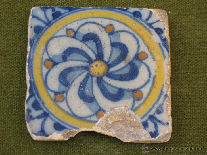 AZULEJO ANTIGUO DE TALAVERA / TOLEDO. TECNICA PINTADA LISA. RENACIMIENTO. SIGLO XVI. (Antigüedades - Porcelanas y Cerámicas - Talavera)