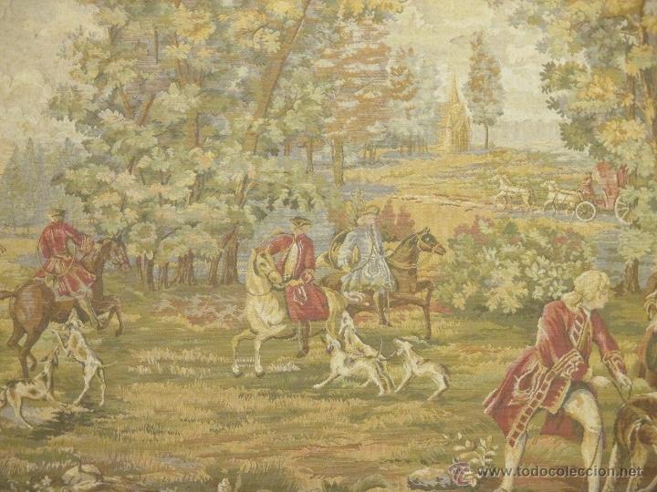 Antigüedades: TAPIZ. ESTILO GOBELINO. CACERÍA. ESCENA DE CAZA. PERROS. 145 X 81 CM. - Foto 3 - 45250147