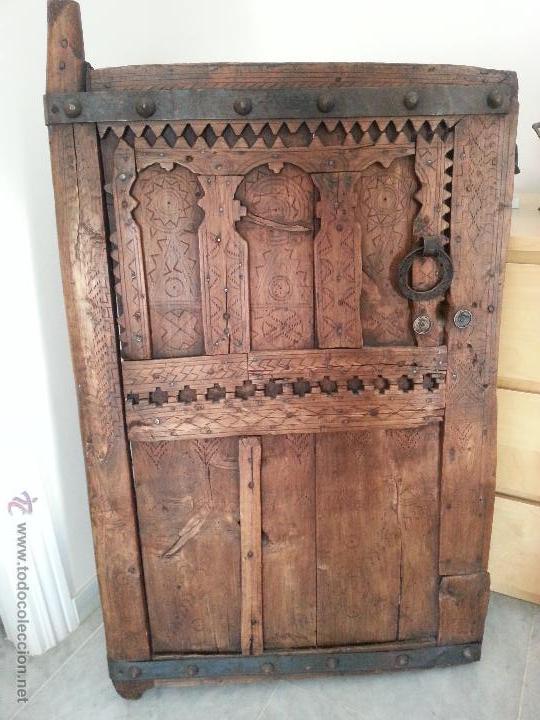 PUERTA ANTIGUA, ORIGEN MAURITANIA, ELEGANTE Y DECORATIVA (Antigüedades - Muebles Antiguos - Auxiliares Antiguos)