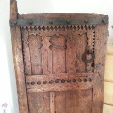 Antigüedades: PUERTA ANTIGUA, ORIGEN MAURITANIA, ELEGANTE Y DECORATIVA. Lote 45258560
