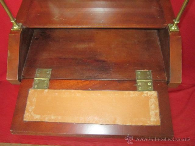 Antigüedades: Importante oratorio o mueble vitrina estilo imperio en madera de caoba. - Foto 8 - 45267516