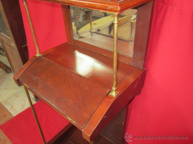 Antigüedades: Importante oratorio o mueble vitrina estilo imperio en madera de caoba. - Foto 9 - 45267516