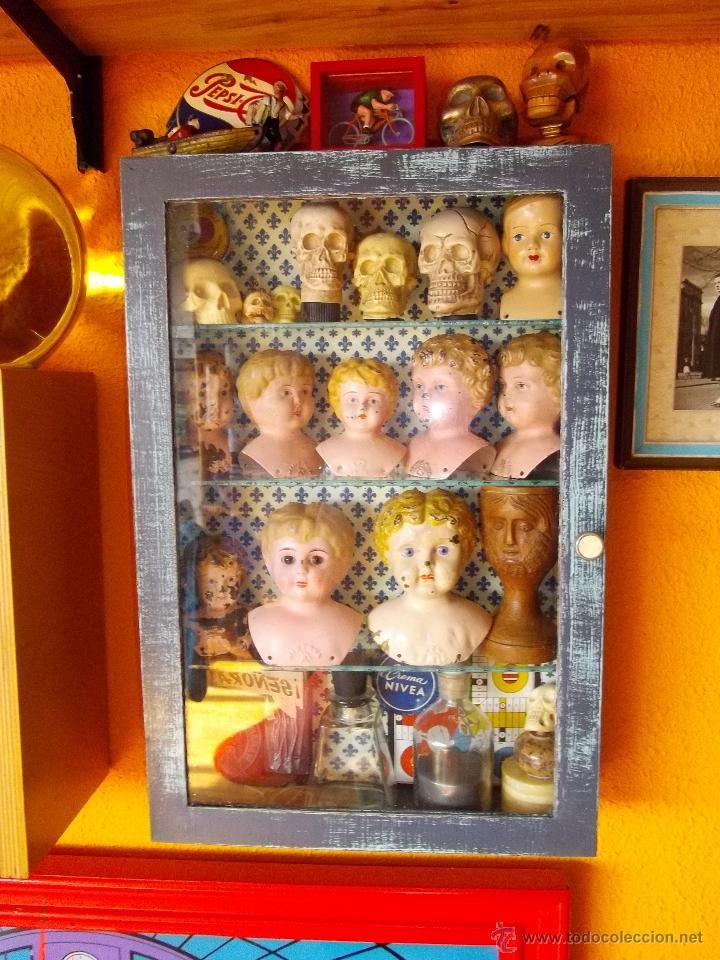 Rara bonita peque a vitrina madera decapada est comprar - Decoracion con antiguedades ...