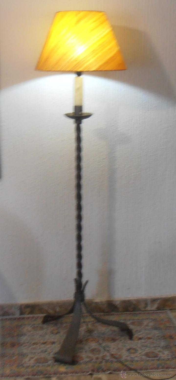 LAMPARA DE PIE DE HIERRO CON PANTALLA NARANJA (Antigüedades - Iluminación - Lámparas Antiguas)