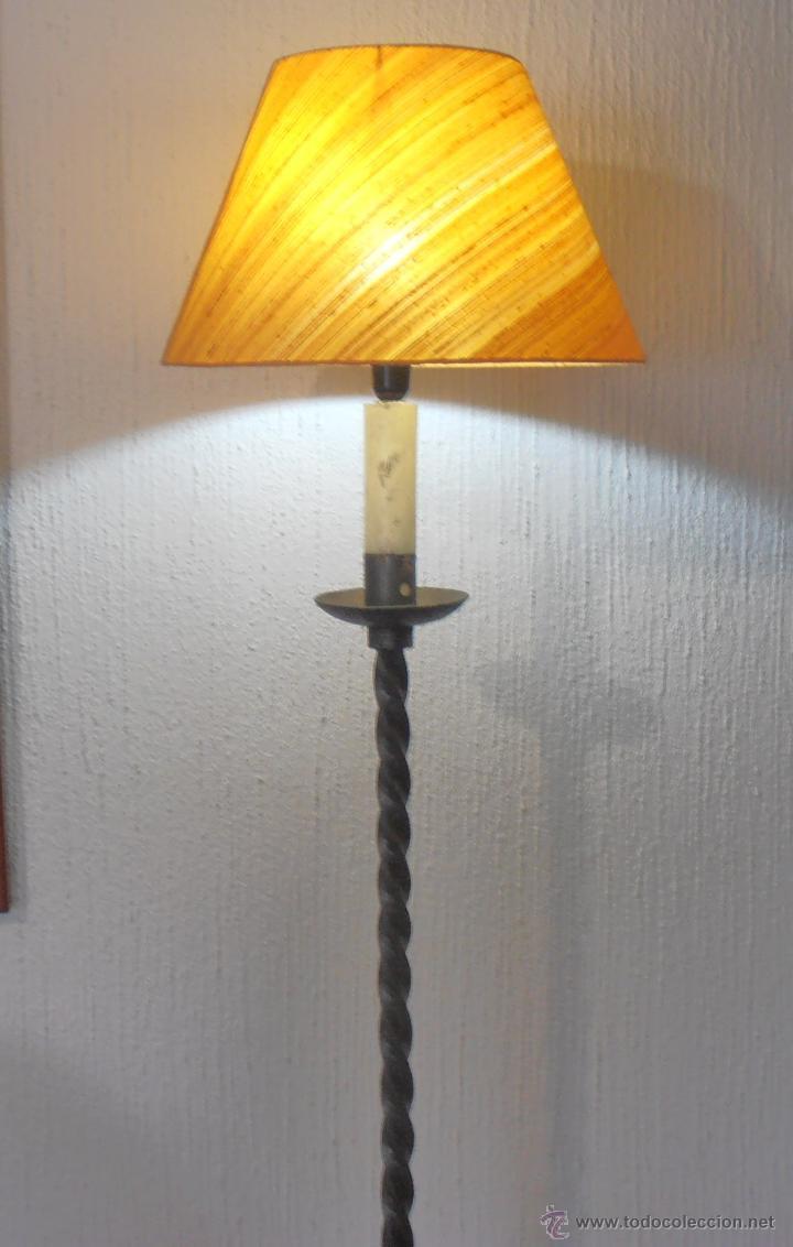 Antigüedades: LAMPARA DE PIE DE HIERRO CON PANTALLA NARANJA - Foto 3 - 45379365