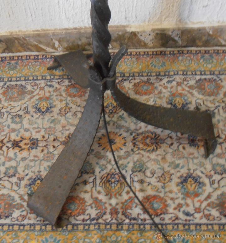 Antigüedades: LAMPARA DE PIE DE HIERRO CON PANTALLA NARANJA - Foto 5 - 45379365