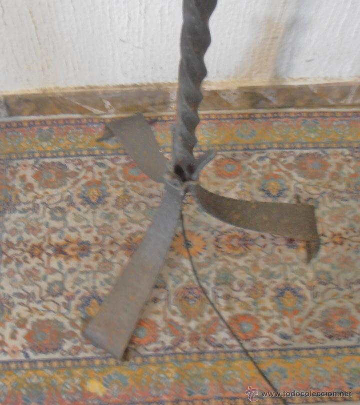 Antigüedades: LAMPARA DE PIE DE HIERRO CON PANTALLA NARANJA - Foto 6 - 45379365