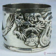 Antigüedades: SERVILLETERO CHINO DE PLATA. PORTASERVILLETAS. DRAGÓN CHINO. PLATA DE LEY.. Lote 45387543