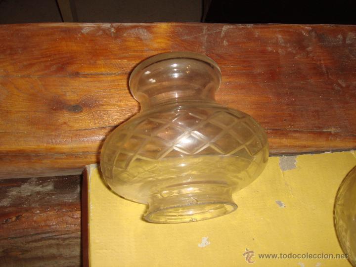 Antigüedades: Antiguas dos tulipas de cristal tallado / años 30 - Foto 2 - 45401664