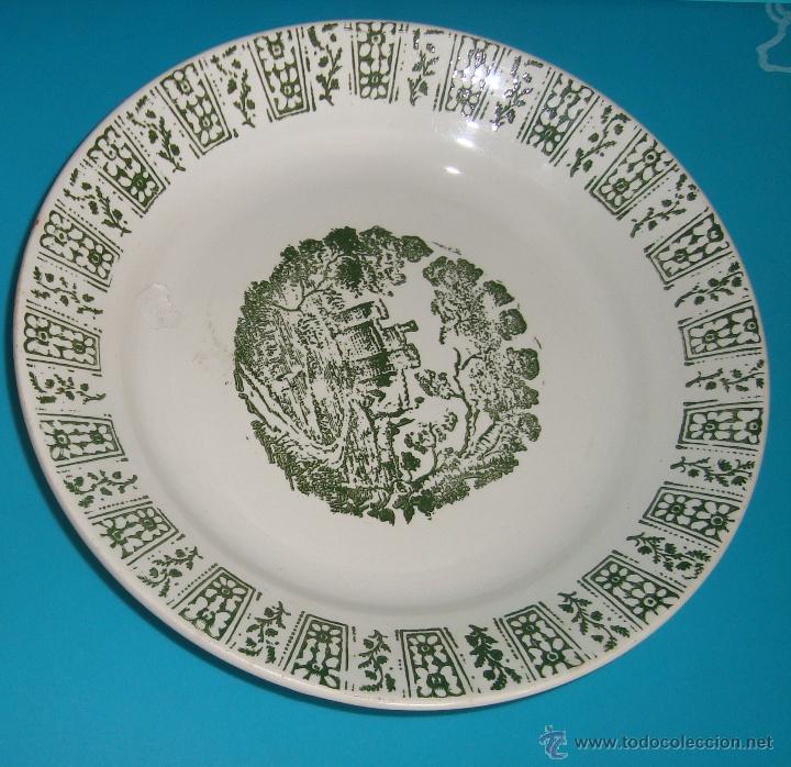 PLATO PICKMAN S. A. LA CARTUJA SEVILLA 1900 A 1965, 21,5CM. (Antigüedades - Porcelanas y Cerámicas - La Cartuja Pickman)