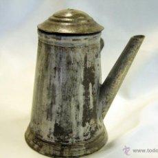 Antigüedades - ANTIGUA CHOCOLATERA EN METAL Y MANGO DE MADERA. - 45414036