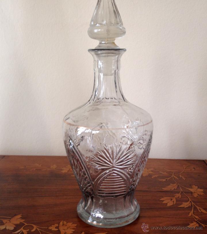ANTIGUA LICORERA DE CRISTAL PRENSADO. (Antigüedades - Cristal y Vidrio - Santa Lucía de Cartagena)