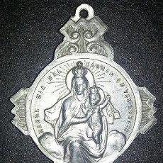 Antigüedades: BONITO Y GRAN ESCAPULARIO VIRGEN CARMEN Y NIÑO JESUS DE PRAGA EN PLATA DE LEY - 35X45MM - 12GRS. Lote 176821729