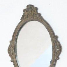 Antigüedades: PRECIOSO ESPEJO EN BRONCE DE BOLSO O TOCADOR. Lote 45441007