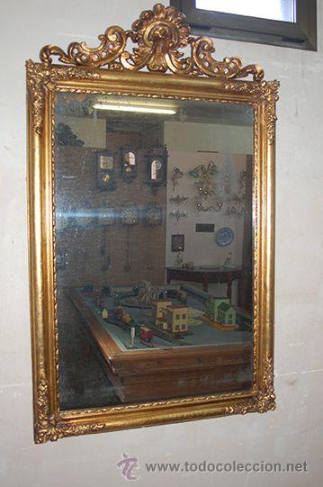 ESPEJO ISABELINO DE MADERA DORADA, SIGLO XIX MEDIDAS ESPEJO: 74X110 (Antigüedades - Muebles Antiguos - Espejos Antiguos)
