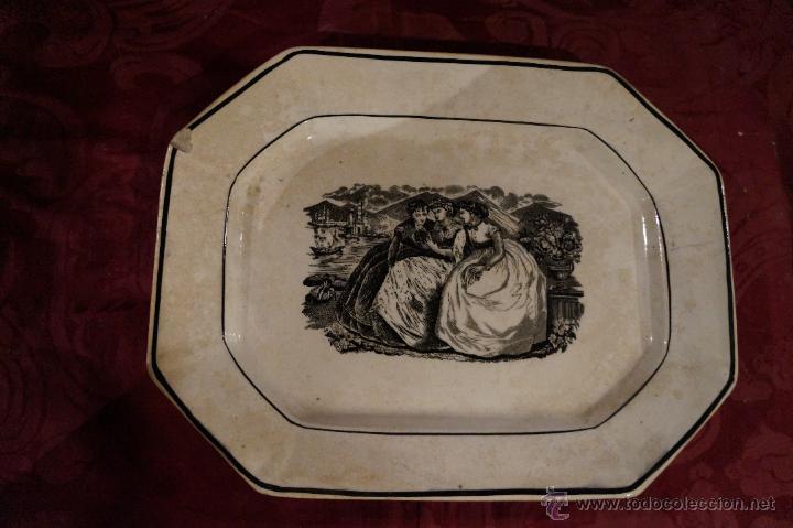 BANDEJA EN CERÁMICA DE CARTAGENA OCHAVADA, DAMAS / S. XIX (Antigüedades - Porcelanas y Cerámicas - Cartagena)