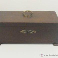 Antigüedades: CAJA DE MADERA DE ROBLE ANTIGUA. Lote 45565581