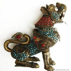 Antigüedades: FANTASTICA FIGURA ANTIGUA PERRO DRAGON FOO FILIGRANA DORADA CORAL ROJO Y TURQUESA. Lote 45584815