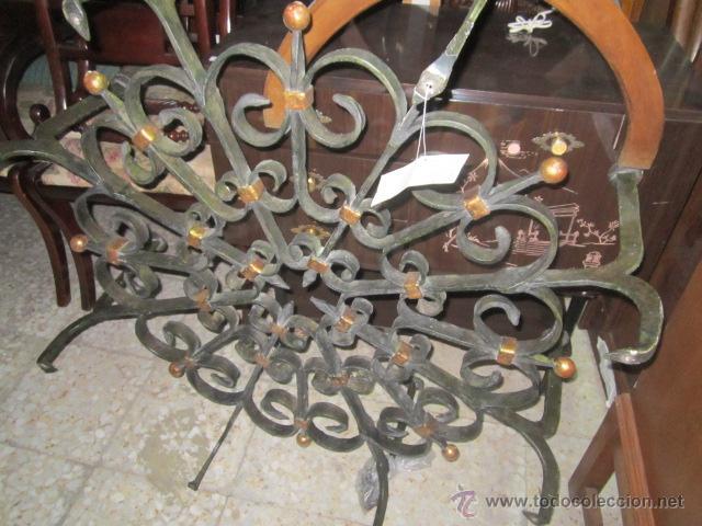 Antigüedades: Unica y antigua mesa redonda, centro sofá, con base de forja y cristal. 110 cms. diámetro cristal. - Foto 5 - 45594875
