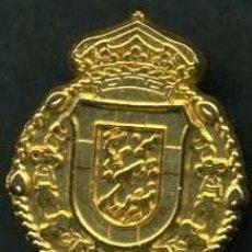 Antigüedades: INSIGNIA ORO DE LAS ( CINCO LLAGAS ) HERMANDAD Y COFRADIA DE LA SEMANA SANTA DE JEREZ LEER DENTRO. Lote 112836014