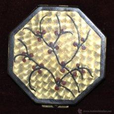 Antigüedades: PRECIOSA POLVERA EN METAL Y PINTADA. AÑOS 30. Lote 45612314