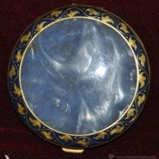 Antigüedades: PRECIOSA POLVERA EN METAL. AÑOS 30. Lote 45612503
