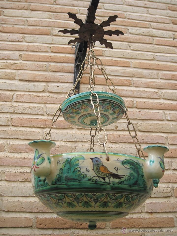 LAMPARA ANTIGUA PARA VELAS EN CERAMICA DE PUENTE DEL ARZOBISPO ( TOLEDO ) (Antigüedades - Hogar y Decoración - Portavelas Antiguas)