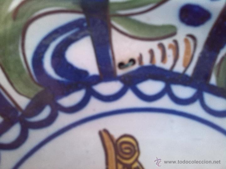 Antigüedades: antiguo plato de manises pintado a mano y firmado - Foto 3 - 45662816