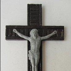 Antigüedades: CRUCIFIJO CON CRISTO DE METAL. Lote 45703749