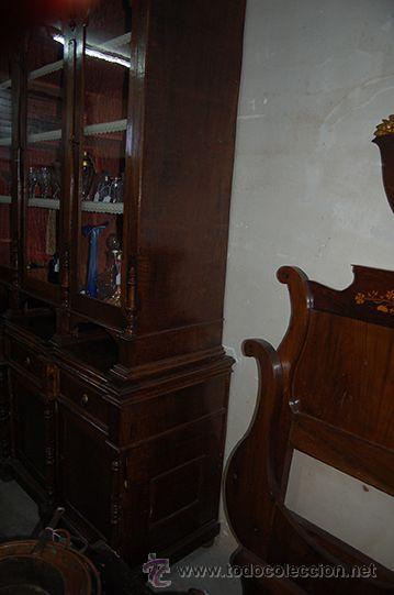 Antigüedades: Antigua Vitrina - Isabelina - 3 puertas - Madera de Nogal - S. XIX - Foto 6 - 45705433