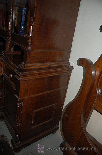 Antigüedades: Antigua Vitrina - Isabelina - 3 puertas - Madera de Nogal - S. XIX - Foto 8 - 45705433
