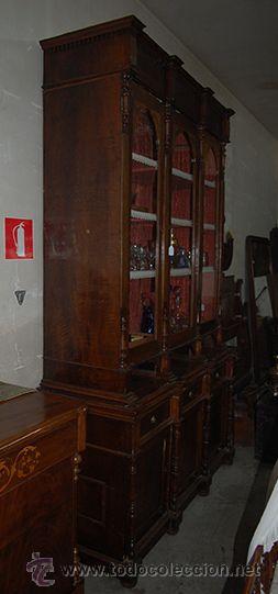 Antigüedades: Antigua Vitrina - Isabelina - 3 puertas - Madera de Nogal - S. XIX - Foto 10 - 45705433
