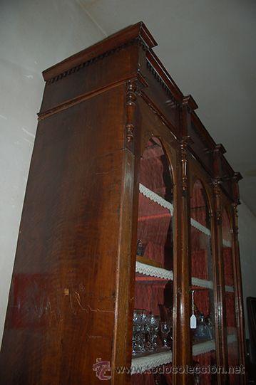 Antigüedades: Antigua Vitrina - Isabelina - 3 puertas - Madera de Nogal - S. XIX - Foto 12 - 45705433