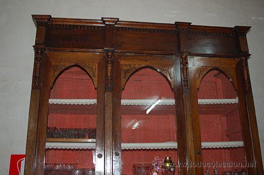 Antigüedades: Antigua Vitrina - Isabelina - 3 puertas - Madera de Nogal - S. XIX - Foto 13 - 45705433