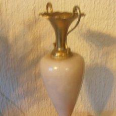 Antigüedades: JARRON DE MARMOL Y BRONCE, LATON . Lote 45710040