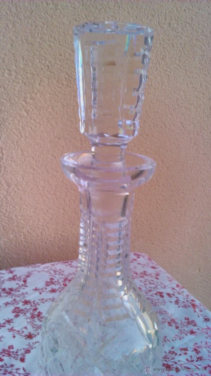 Antigüedades: Antigua y Exquisita licorera de cristal de BOHEMIA tallado. - Foto 4 - 45729448