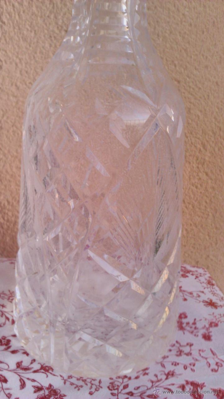 Antigüedades: Antigua y Exquisita licorera de cristal de BOHEMIA tallado. - Foto 7 - 45729448