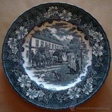 Antigüedades: PLATO EN PORCELANA STAFFORDSHIRE ENGLAND. Lote 45739435