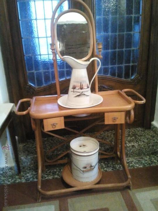 Antiguo palanganero tipo thonet con cubo y jofa comprar - Precio muebles antiguos ...