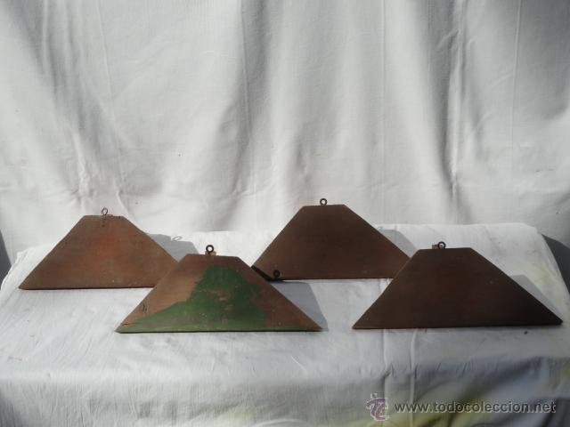 LOTE DE 4 PEQUEÑAS ESTANTERIAS O REPISAS ESQUINERAS DE MADERA. (Antigüedades - Muebles Antiguos - Repisas Antiguas)