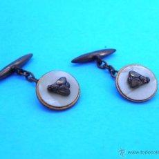 Antigüedades: GEMELOS CADENITA. NACARADOS CON MOSCA. PARA CAMISA. AÑOS 60'S #CP-R. Lote 43775547