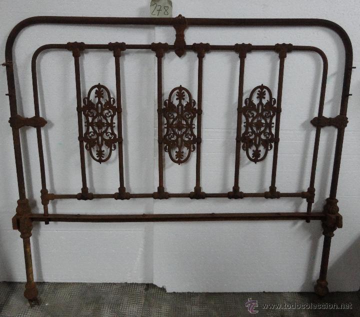 CAMA CON CABECERO Y PIECERO EN BRONCE- 278 (Antigüedades - Muebles Antiguos - Camas Antiguas)
