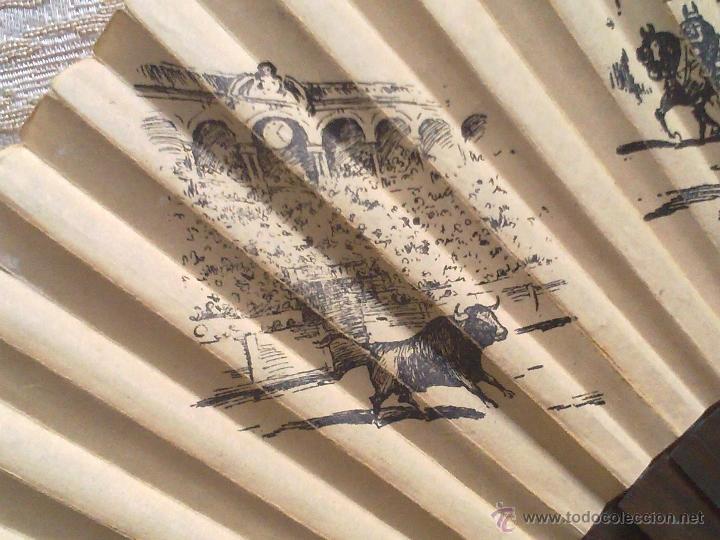 Antigüedades: Vendo Abanico Antiguo con dibujos de Imagenes de Sevilla (Principios del Siglo XX). - Foto 3 - 45831009