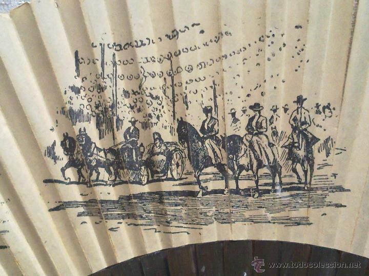Antigüedades: Vendo Abanico Antiguo con dibujos de Imagenes de Sevilla (Principios del Siglo XX). - Foto 4 - 45831009