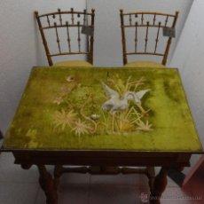 Antigüedades: MESA Y PAREJA DE SILLAS EN DORADO SIGLO XIX-XX-232. Lote 45832125